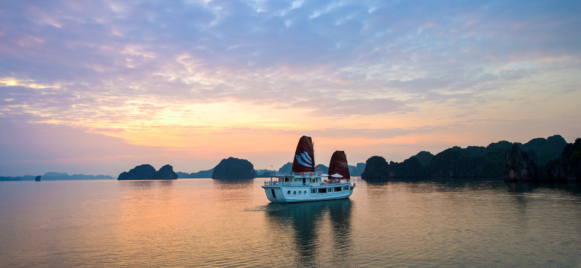 Bhaya Legend Private Crusie Halong Bay