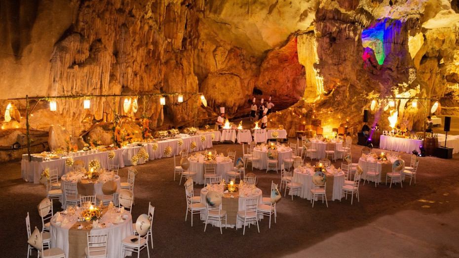 Overview set up for events in Ngu Dong Cave - Bhaya Cruises