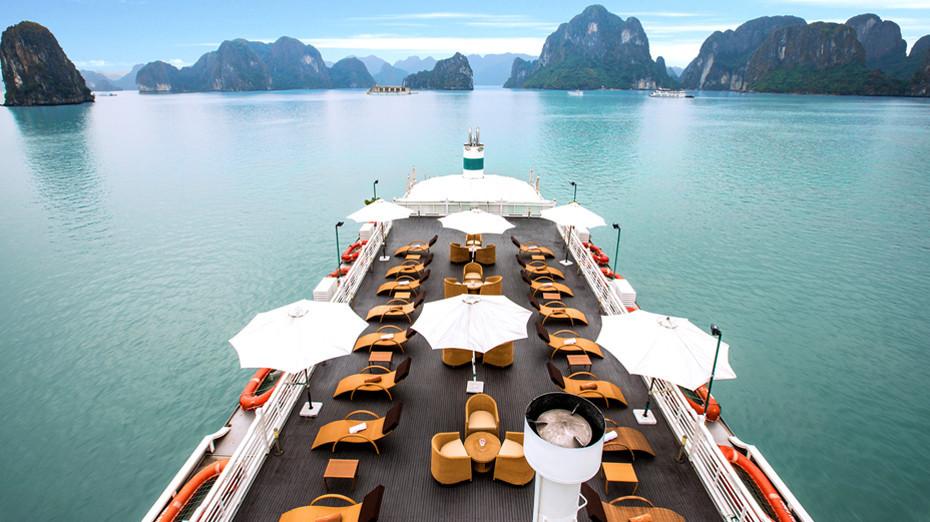 Sundeck on The Au Co Cruise