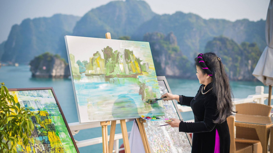 Art by the Sea: Music of Colours ft. Artist Van Duong Thanh